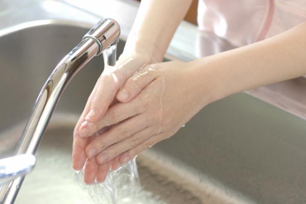 手肌のためには、固形せっけんと液体せっけんではどちらが良いですか?
