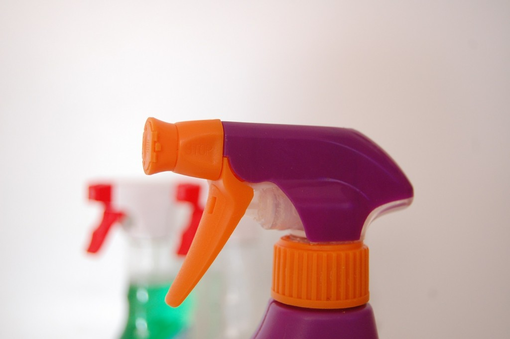 お住まいの掃除に最適な安心安全の洗剤はコレ!