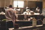 厨房からホールまで、レストランの掃除に最適な洗剤!